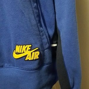 Nike Sweaters - Nike Air Men's pullover.